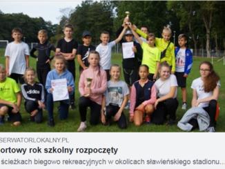 Powiatowych Sztafetowe Biegi Przełajowe- zdjęcie grupowe.