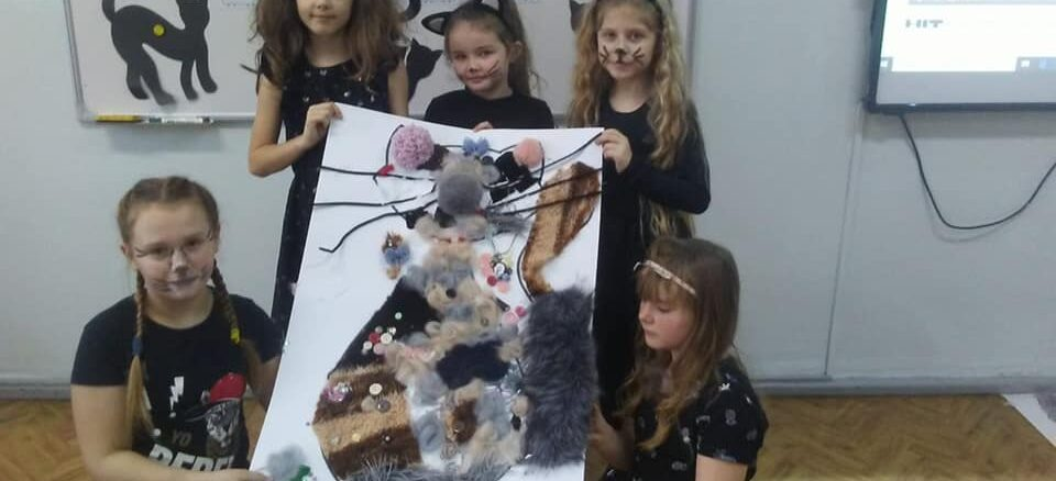 Dzieci i ich kocie prace
