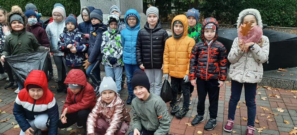 Akcja Szkoła pamięta-dzieci na Grobie Nieznanego Żołnierza