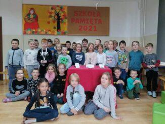 Akcja Szkoła Pamięta zdjęcie dzieci ze świetlicy